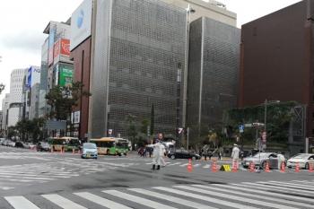 2019年10月22日 13時45分ころ。有楽町駅近く。外堀通りから晴海通りの皇居側への進入は規制されてました。