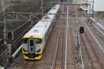 2019年10月27日 8時42分ころ。新秋津。房総のE257系500番代を使った鎌倉ゆきの快速列車。