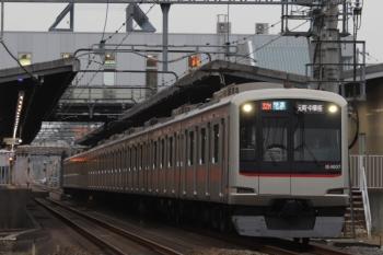 2019年11月3日 15時43分ころ。武蔵藤沢。東急4107Fの快速  元町・中華街ゆき。32M運用の代走となっています。小手指から1716レのスジにのるのでしょう。