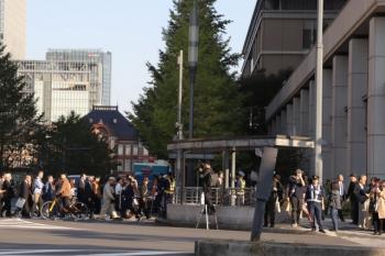 2019年11月9日 14時50分ころ。東京駅近くの日比谷通りの交差点。