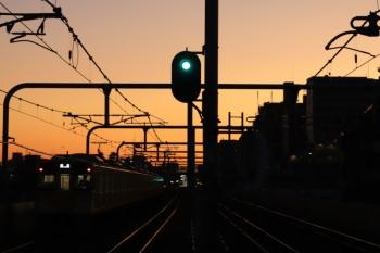 2019年11月30日 6時11分ころ。富士見台。2073Fの上り回送列車。