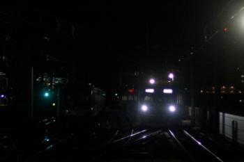 2019年12月6日。石神井公園。到着するメトロ10020Fの6802レ(右)。暗闇の中に夜間帯泊だったY512Fがいます。