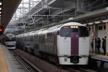 2019年12月26日 8時19分ころ。西大井。215系の上り列車とE217系の下り列車がすれ違い。
