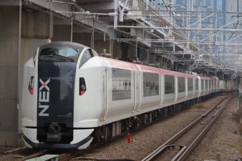 2019年12月26日 8時44分ころ。西大井。N'EXの12連の上り列車。