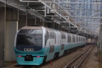 2019年12月26日 8時46分ころ。西大井。E251系の上り列車も通過。