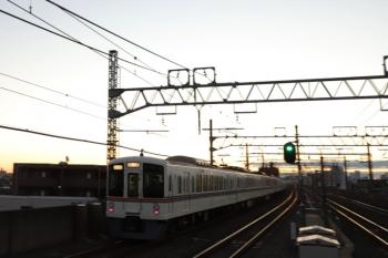 2019年12月28日 6時47分ころ。練馬高野台。4003F+4015Fの上り回送列車。