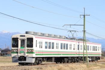 2020年1月1日 10時10分ころ。西山名〜山名。JR時代の塗装のままのクハ754ほかの上州富岡ゆき。