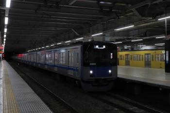 2020年1月1日。所沢。20152Fの池袋線・上り回送列車(イレギュラー)と、2067F+2407F?の新宿線・上り回送列車(いつも)。