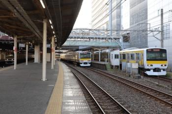 2020年1月2日 10時30分ころ。千葉。E231系500番代が並んだ総武緩行線とE209系の内房線・外房線列車。