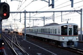 2020年1月5日。石神井公園。右から4001F+4011Fの上り回送列車、6番線で夜間帯泊だった東急5174F、5番線で折り返し(6301レ〜6302レ)待ちのメトロ10024F。