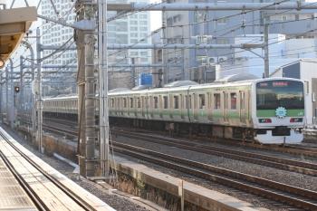 2020年1月11日 15時26分。高田馬場。西武新宿線のホームから見た山点線のHM付きE231系。前後で違うHMでした。