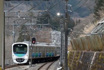 2020年1月26日 8時54分ころ。芦ケ久保。側線に到着する38103Fの下り回送列車。