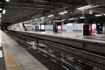 2020年1月28日 5時29分ころ。所沢。5番ホームから発車する20158Fの下り回送列車。