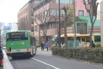 2020年2月3日 8時半ころ。転回場へ入るバス。この転回場は普段から、目白〜日本女子大学間のバスが使っています。