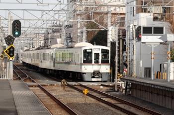 2020年2月15日 7時54分ころ。東長崎。4番ホームへ到着する4015F+4017Fの上り回送列車。