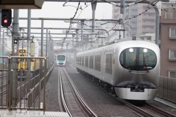 2020年2月16日。富士見台。見ても分かりませんが、西武秩父ゆきの「特急むさし号」の65レ。