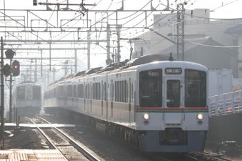 2020年2月22日。秋津。4015F+4017Fの1001レ(右9と4001F+4015Fの上り回送列車。