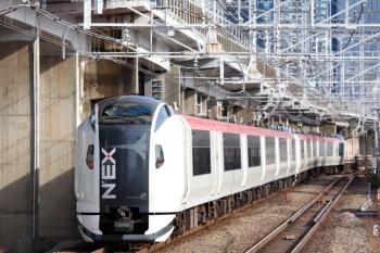 2020年3月3日 8時44分ころ。西大井。大船始発の「成田エクスプレス13号」は12両編成でした。高給取りの皆様の通勤ライナーも兼務しているかと。