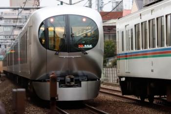 2020年3月7日。東長崎〜江古田。4003Fほかの上り回送列車(右)と001系の3レ。