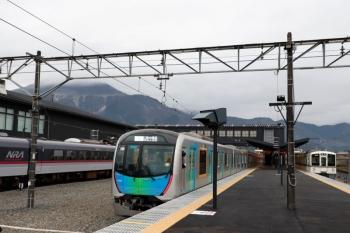 2020年3月8日。西武秩父。左から、10110F(ラストラン)の40レ、40102FのS-Train 404レ、4023Fの5046レ。