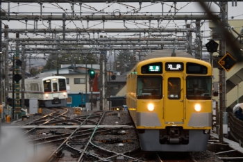 2020年3月14日。飯能。6002レの車両は回送されたので、折り返しの下り列車用に4003Fが回送されてきました(左)。右は2089Fですが、こちらも回送列車です。折り返しは4164レ。