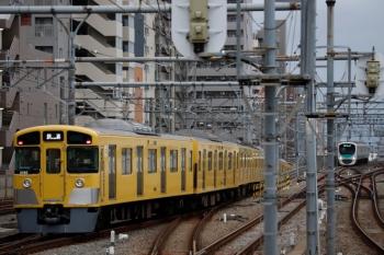2020年3月14日 6時32分。練馬。左が2091Fの下り回送列車。右奥は38111Fの5604レ。