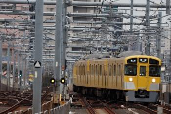 2020年3月23日。石神井公園。緩行線から転線し1番ホームへ向かう2085Fの5853レ。