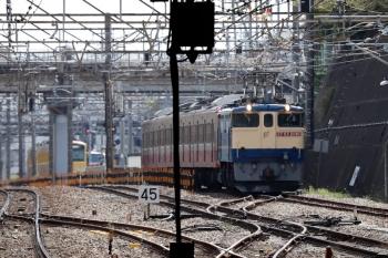 2020年4月11日 13時47分ころ。新秋津。EF65-2081F+西武1253Fの甲種鉄道車両輸送の貨物列車。