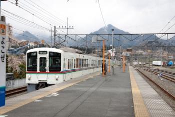 2020年4月12日。横瀬。1番ホームへ到着する4005F+4019Fの6003レ。2番ホーム横の側線に40000系はいなかったです。