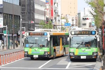 2020年4月16日 8時25分ころ。目白。池袋駅東口ゆきと新宿駅西口ゆきの都バスの並び。