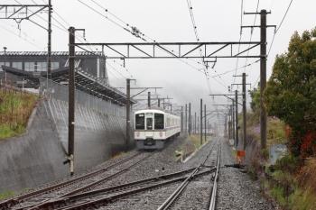 2020年4月18日 9時1分ころ。御花畑〜西武秩父。西武線内へ回送で戻る4023。左は西武秩父駅です。