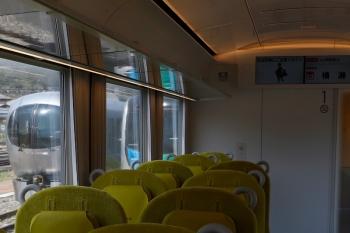 2020年4月26日。横瀬。そしてホーム横の左手には、S-Trainの40101Fと、「むさし63号」だった001-D編成が留置されていました。
