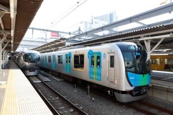 2020年5月2日。所沢。左から20152Fの4137レ、001-E編成の下り回送列車、40103Fの4138レ。