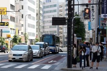 2020年5月17日 13時半ころ。池袋。ジュンク堂の前辺りです。JRの高速バスが見えてます。