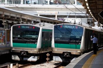 2020年5月30日 11時21分ころ。大崎。新木場ゆきと相鉄線直通とE233系が二つのホームに並びました。