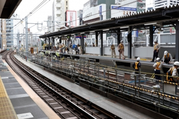 2020年5月31日 14時過ぎ。渋谷駅。駅の北端。まだ工事中ですが、軌道よりはホームそのもの作業のようでした。