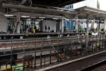 2020年5月31日 14時過ぎ。渋谷駅。ホーム中程。軌道は嵩上げされ、その下はスッキリしてました。