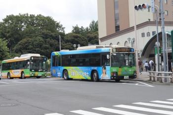 2020年6月18日 8時半ころ。目白駅前。練馬方面へ向かう都バス2台。