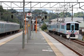 2020年6月20日 14時38分ころ。横瀬。5031レの西武秩父到着と入れ替わりに西武秩父からやって来た4009Fの上り回送列車(右)。