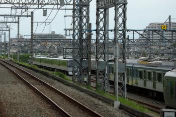 2020年6月21日 14時前。小手指車両基地。飯能方に留置される10108F。下り列車の車内から。