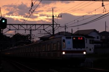 2020年6月26日 19時5分ころ。元加治。メトロ7010Fの上り回送列車(25S運用)。