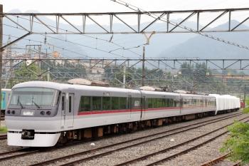 2020年6月27日。横瀬。車両基地側の電留線に止まる10000系。