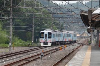 2020年6月27日 16時42分ころ。横瀬。車両基地側の電留線から引き上げ線へ向かう4009F。