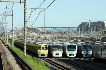 2020年6月29日。小手指車両基地。上り列車の車内から。左から、9102F、10108F?、38812F、20152Fほか。