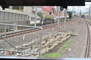 2020年年7月2日 6時前。大泉学園。上り列車の車内から見た飯能方。