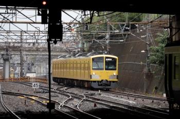 2020年7月5日 13時過ぎ。新秋津。西武線内を牽引する263Fを、1249Fへ連結する入換作業中。
