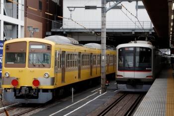 2020年7月5日 14時35分ころ。所沢。多摩川線から輸送中の1249F(左)と、東急4106Fの1811レ。