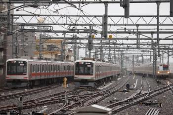 2020年7月6日。石神井公園。左から、1番ホームから発車した東急5170Fの6701レ(31K)、5番線で折り返し待ちの東急5176F、メトロ7001Fの6504レ。26