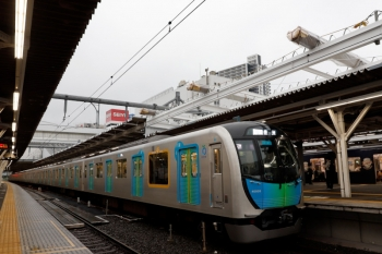 2020年7月6日。所沢。40105FのS-Train 豊洲ゆき502レ。