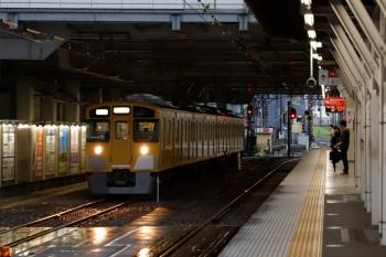 2020年7月6日 6時38分ころ。所沢。6番線へ到着する2513Fの上り回送列車。